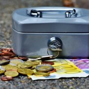 StrategyDriven Managing Your Finances Article | 9 Effective Ways to Manage Personal Finances