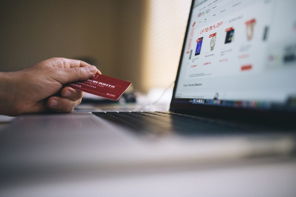 impact of identity theft in e commerce E-commerce credit card fraud affects individuals just fraud prevention can negatively impact the customer have to do with card fraud and identity theft.