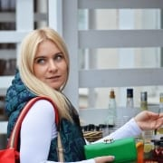 StrategyDriven Marketing and Sales Article |Attract New Customers|4 Interesting Ways to Attract New Customers Without Spending a Fortune