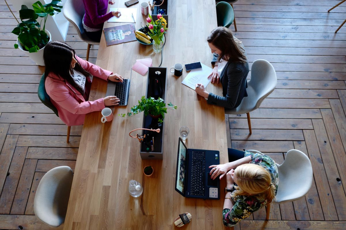 StrategyDriven Managing Your People Article |Healthy Workspace|13 Maintenance and Design Tips To Create a Healthy and Productive Workspace