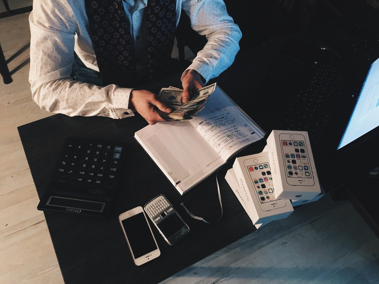 StrategyDriven Managing Your Finances Article | Managing your money as a startup: 5 things to consider
