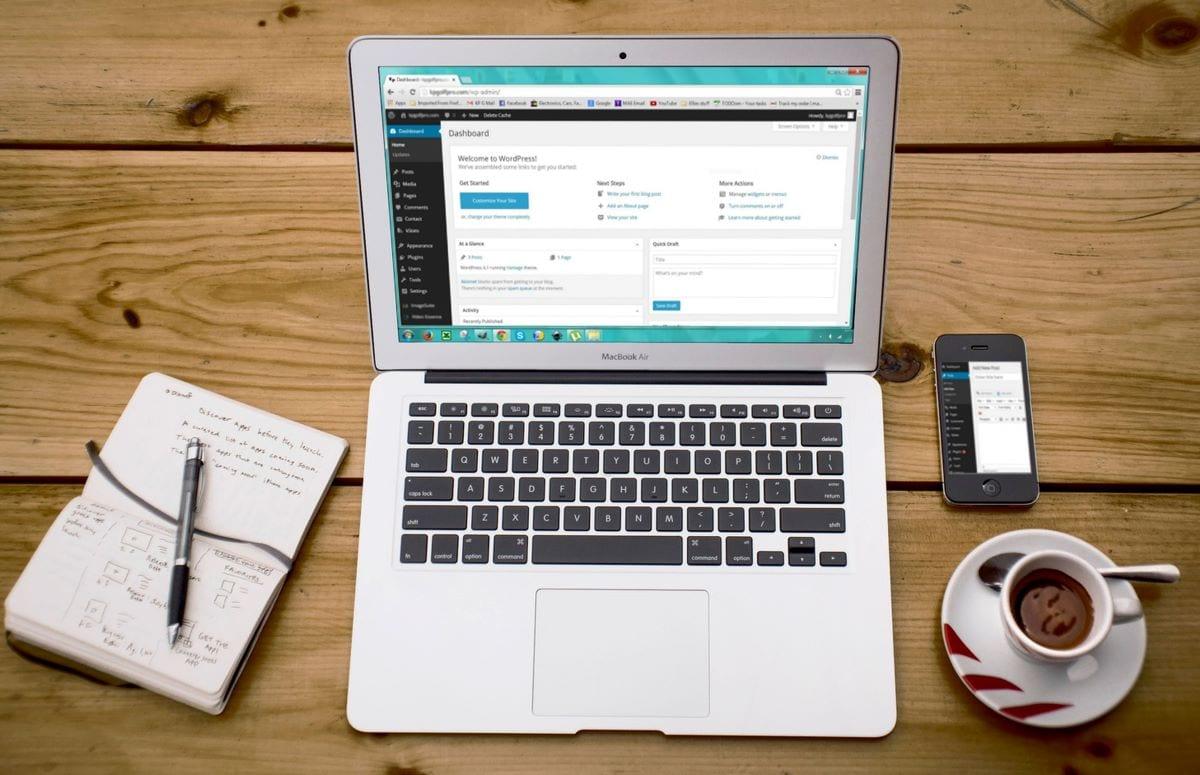 Marketing en ligne et développement de sites Web axés sur les articles  Bureau de site Web  Stratégies pour augmenter le trafic de votre site Web