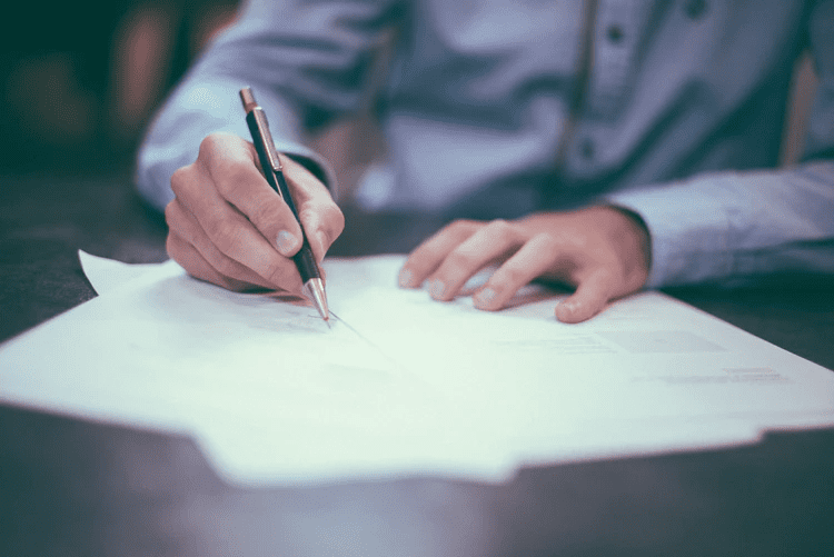 StrategyDriven Marketing and Sales Article | Three Tips For Getting Government Contracts